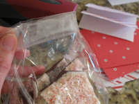 Homemade Peppermint Bark | Peppermint Bark Recipe | Easy Chocolate Peppermint Bark | DIY Holiday Gift Ideas | Holiday Peppermint Bark