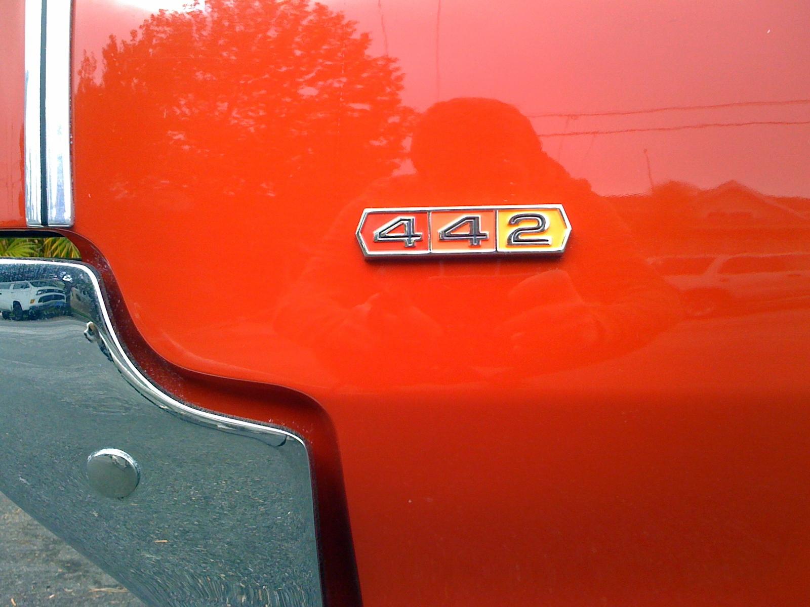 oldsmobile cutlass sedan 1969