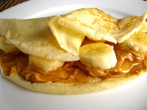 Closet Cooking: Peanut Butter, Banana and Honey CREPES