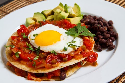 Huevos Rancheros on Closet Cooking