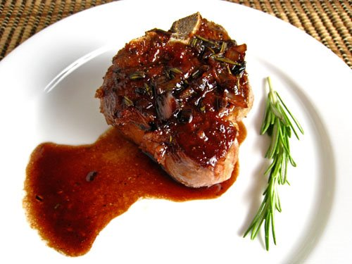 Lamb Chops with Pomegranate and Red Wine Sauce on Closet Cooking