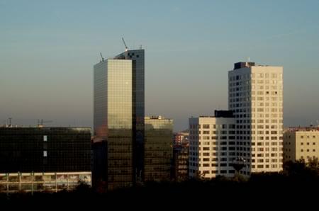 Ciudades espa olas con zonas modernas bonitas skyscrapercity for Oficinas sabadell zaragoza
