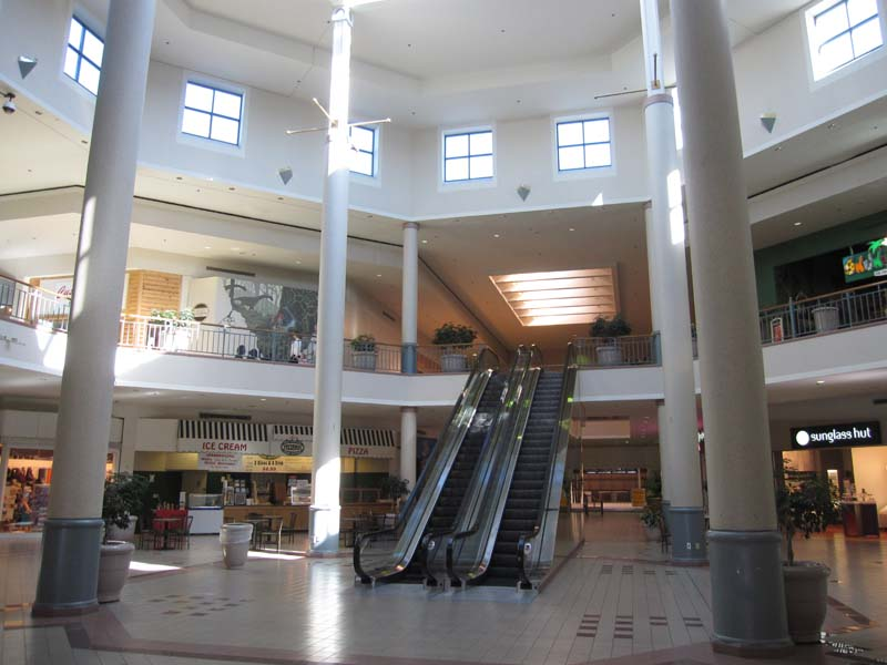 Savannah Mall is home to great department and specialty stores as well as great dining options.