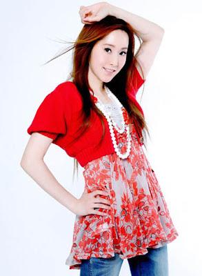Popular Taiwanese Singer and Actress : Evonne Hsu