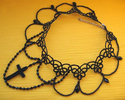 tatted choker, goth necklase, gothic style jewelry, tatting