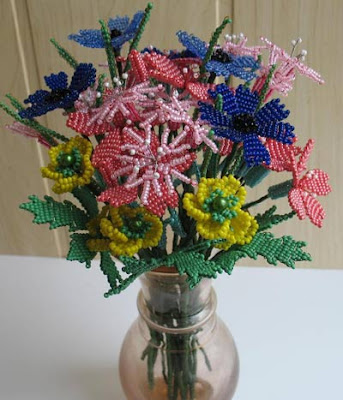 бисерные цветы, цветы из
