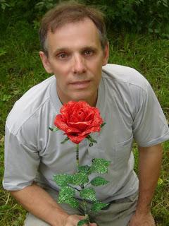 как сделать розу из бисера, розы из бисера
