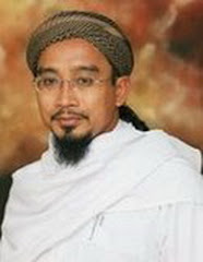 TOK GURUKU:TG.HJ.DZULKIFLI BIN HJ.ISMAIL AL-HADHRAMI GHAFARULLAHULAHU,MUDIR PONDOK BAITUL QURRA'