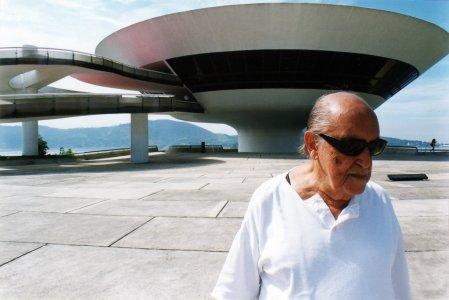 Estetica y direcci n de arte oscar niemeyer - Arquitecto de brasilia ...