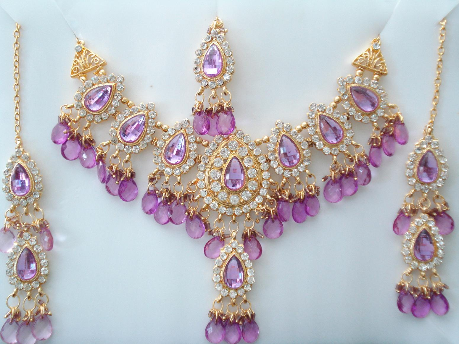 Fusion Jewels - Indian Imitation Kundan Jewellery, Wedding Fashion