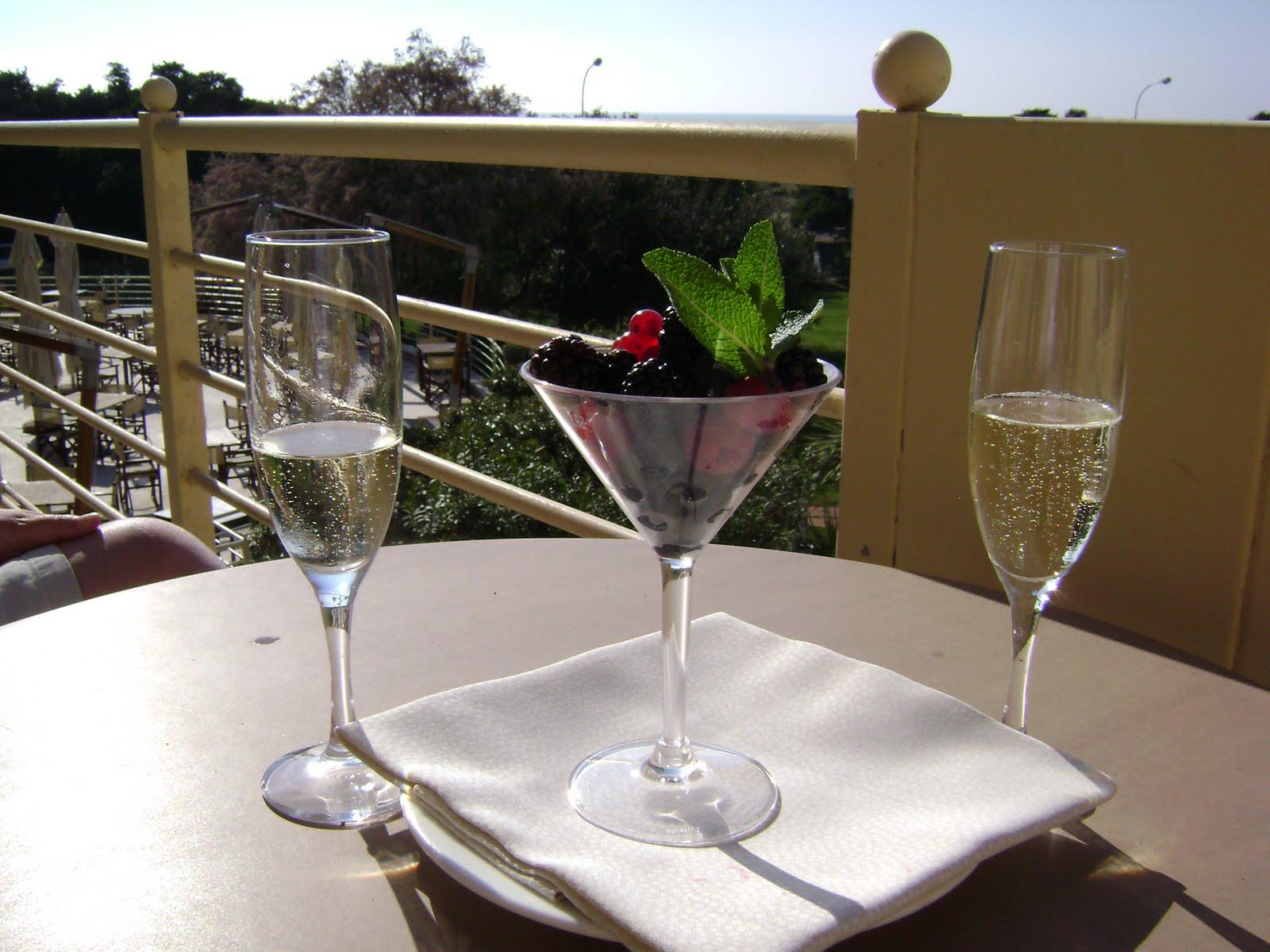 http://1.bp.blogspot.com/_USPEbalwowA/S9p5Y-oRTOI/AAAAAAAAABk/W3jYc171jVE/s1600/Tombolo+Resort+006.JPG