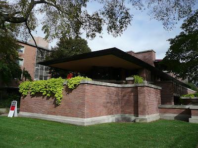 La Robie House, de F.L. Wright. un perfecte exemple del tipus de casa de l'anomenat Prairie Style, creat per aquest arquitecte.