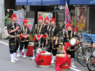 Drumming troupe at Yoyogi-hachiman street festival, Tokyo.