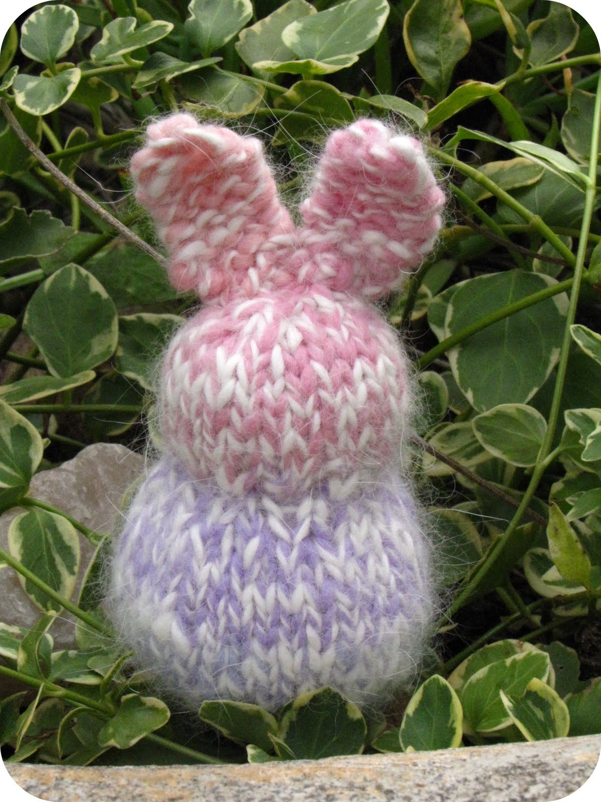 Knitted Rabbit Pattern : Knitted Easter Patterns and Tutorials - Natural Suburbia