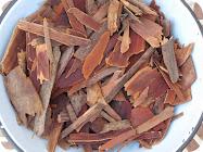 Dyeing Naturally with Eucalyptus Bark