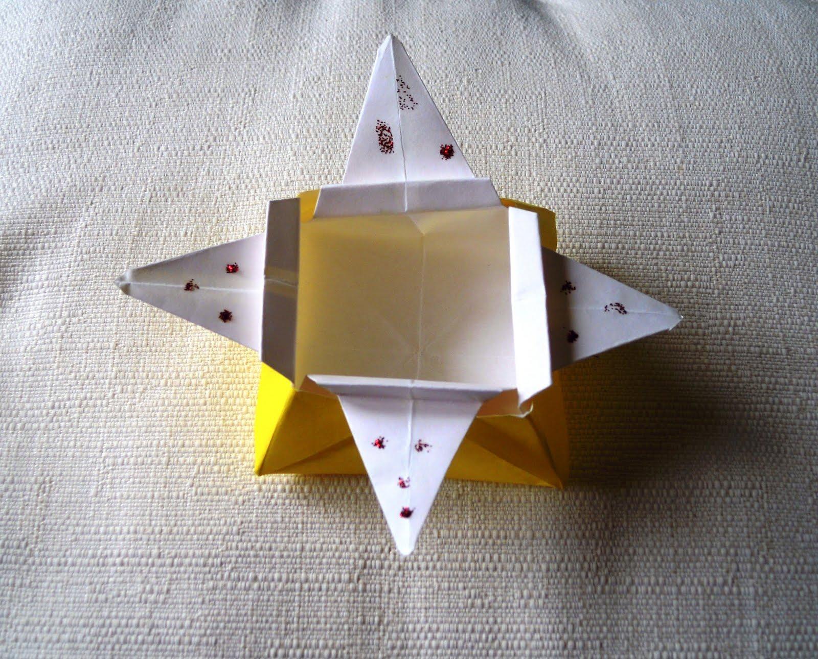 he hecho esta caja de papel para guardar cosas la he copiado de un