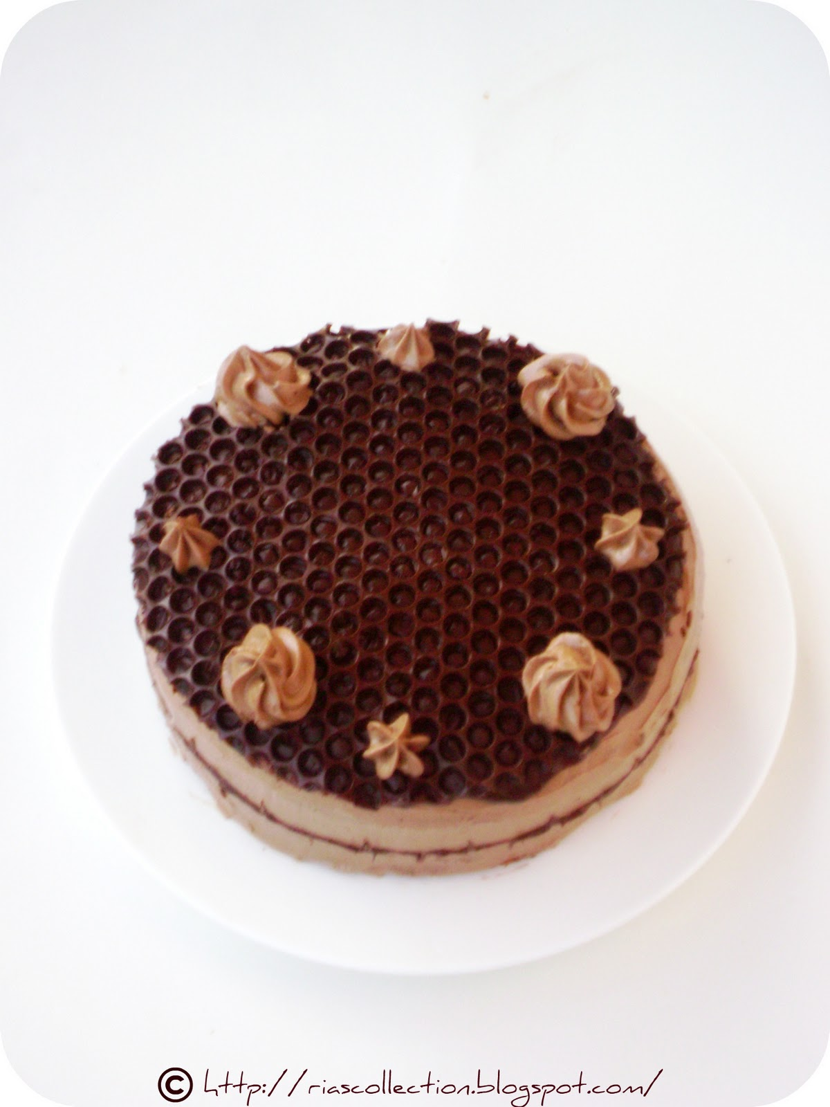 Ria s Collection: HONEY COMB CAKE...celebration time for ...