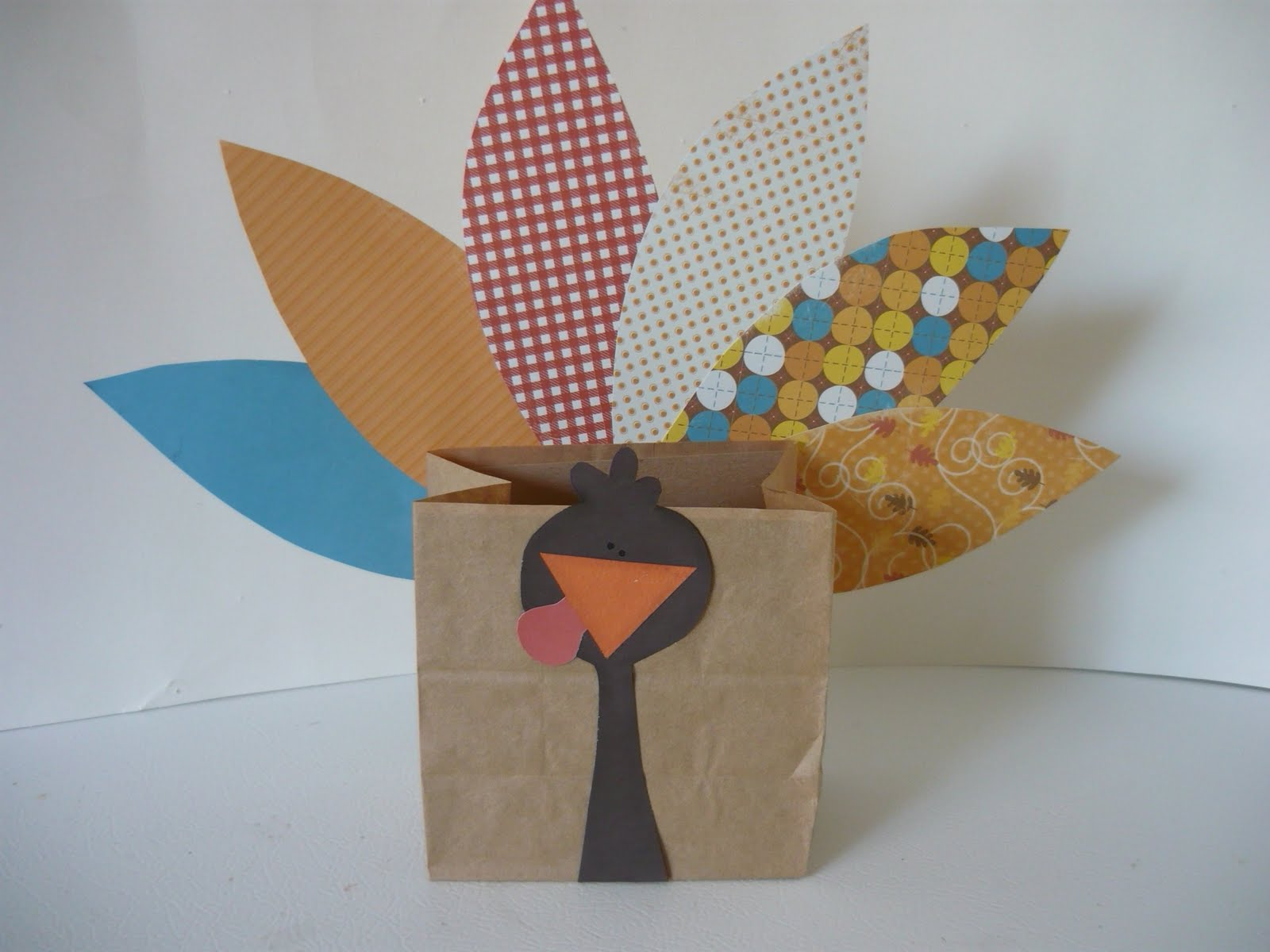 Small fry co easy turkey brown bag project for Brown paper bag craft