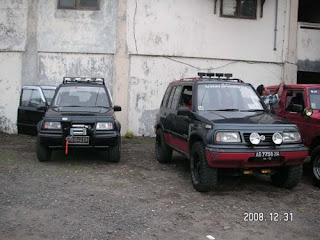 pada dasarnya ne mobil udah 4 WD, satu gardan di depan nd satu gardan ...