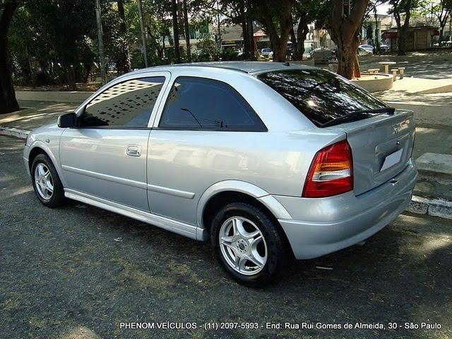 Chevrolet Astra Hatch 2001 3 Portas 1.8 MPFI - traseira
