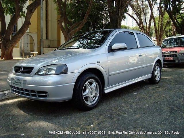 Chevrolet Astra Hatch 2001 3 Portas 1.8 MPFI - faróis