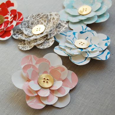 think these paper flowers are really cute! Click the picture to see ...