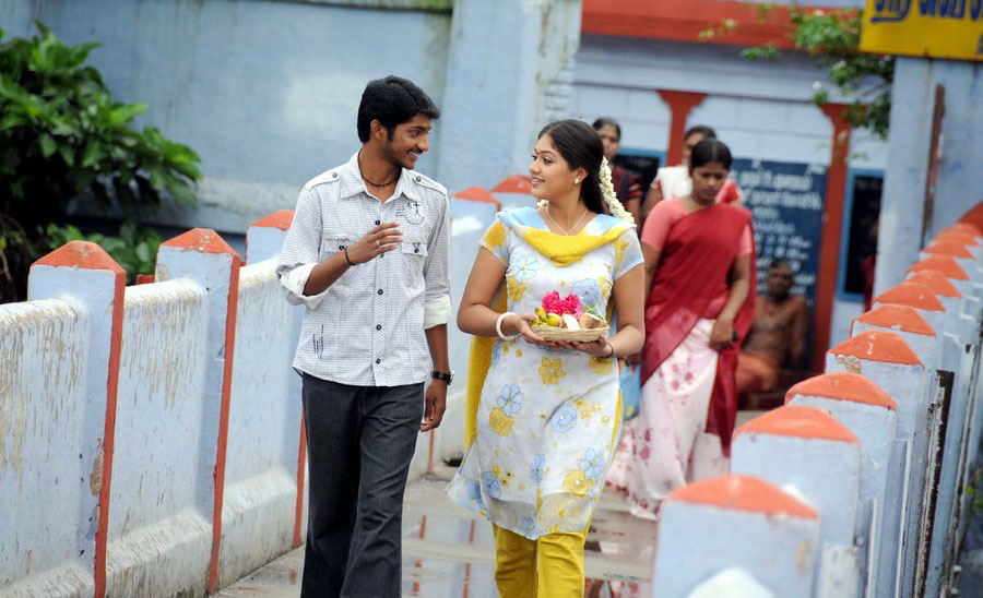 Kadhal Solla Vandhen movie stills