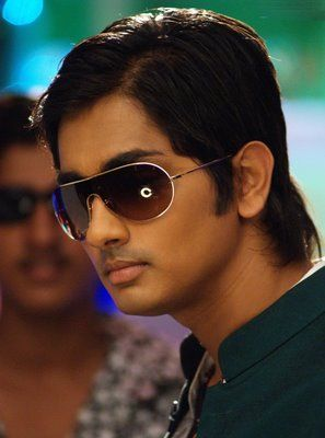 Siddharth shocked to see his fans