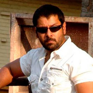 Vikram plays double role in Vedi?
