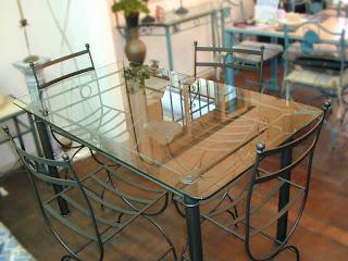 Herreria artesanal en la fabricacion de muebles for Comedores hierro forjado