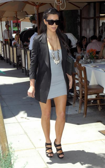 Kardashian Fashion Week 2010 on Fashion Icon Kim Kardashian Is Always Looking Her Best Here S How To