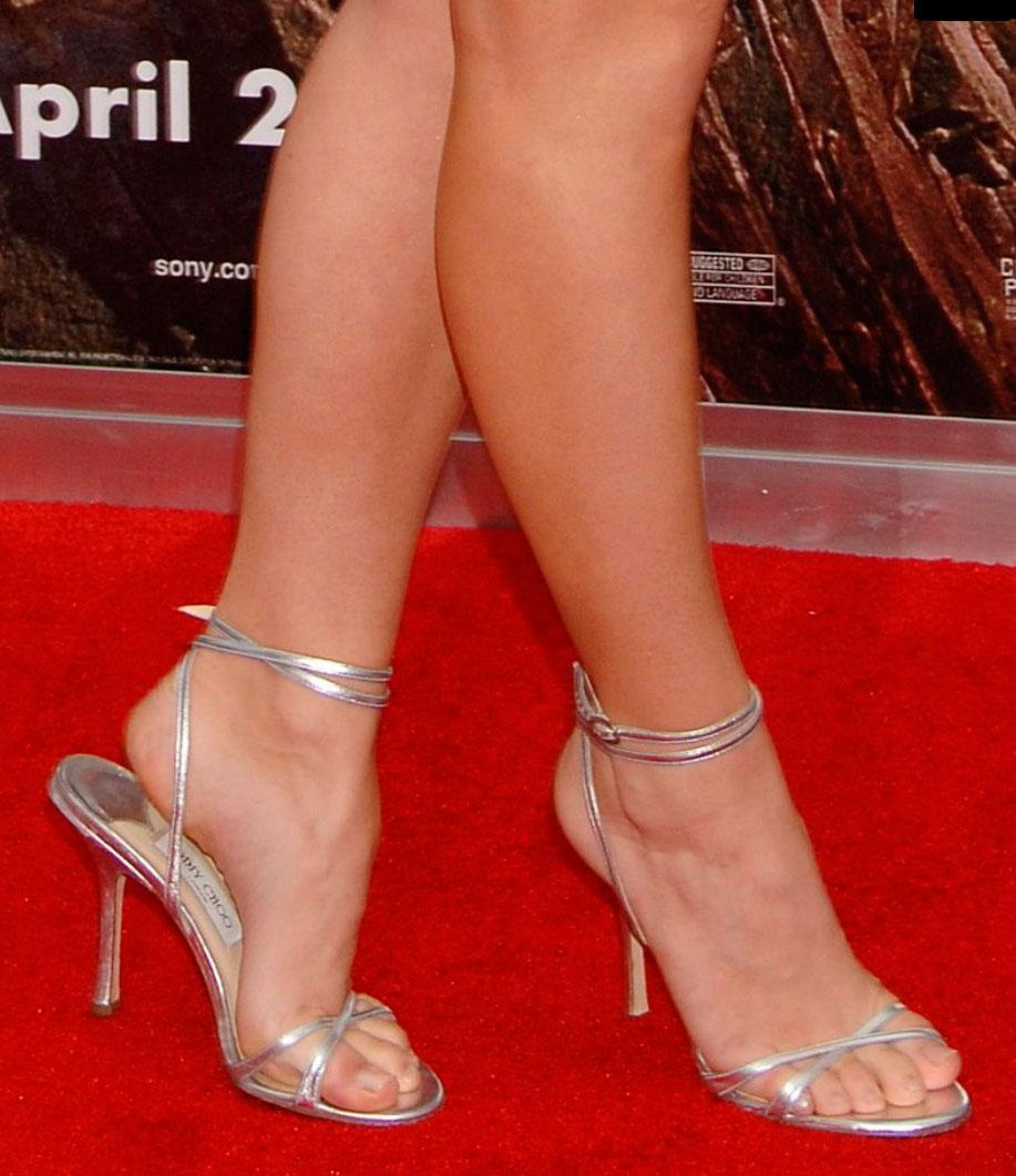 Halle Beauty Blog Jojo Levesque Feet