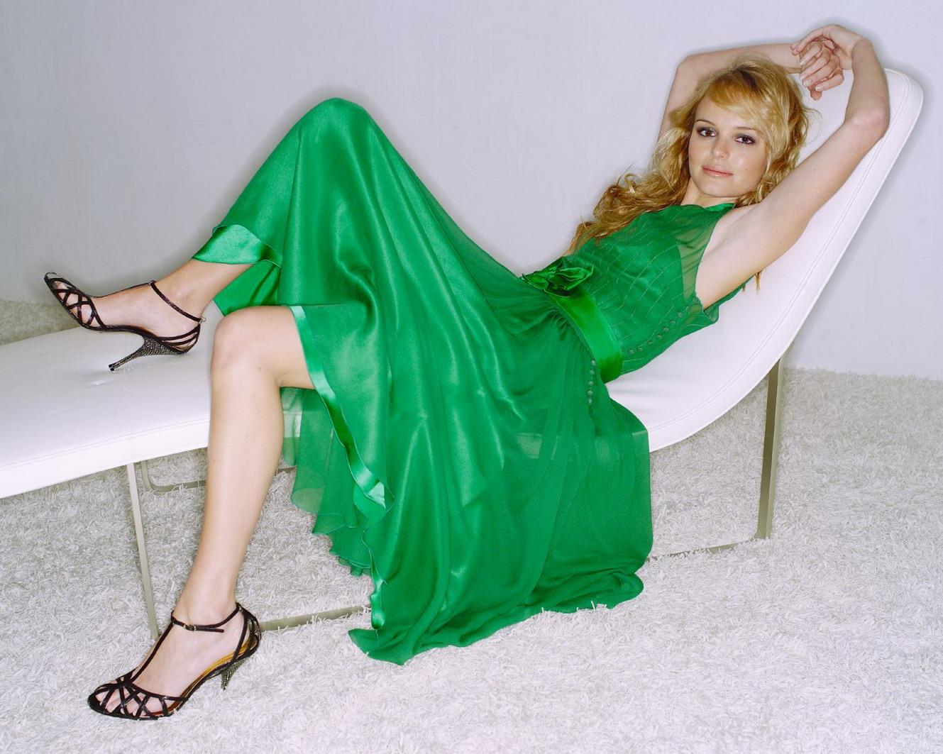 http://1.bp.blogspot.com/_UaLWp72nij4/S-R_Gdat01I/AAAAAAAAKMo/wTMp4QX3Yfs/s1600/kate-bosworth-feet-3.jpg