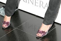 Halle Beauty Kaley Cuoco Feet