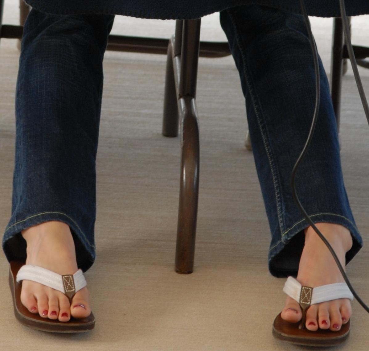 http://1.bp.blogspot.com/_UaLWp72nij4/S60R1tK_EgI/AAAAAAAAFYM/V_pUcFai0FA/s1600/danica-patrick-feet-3.jpg