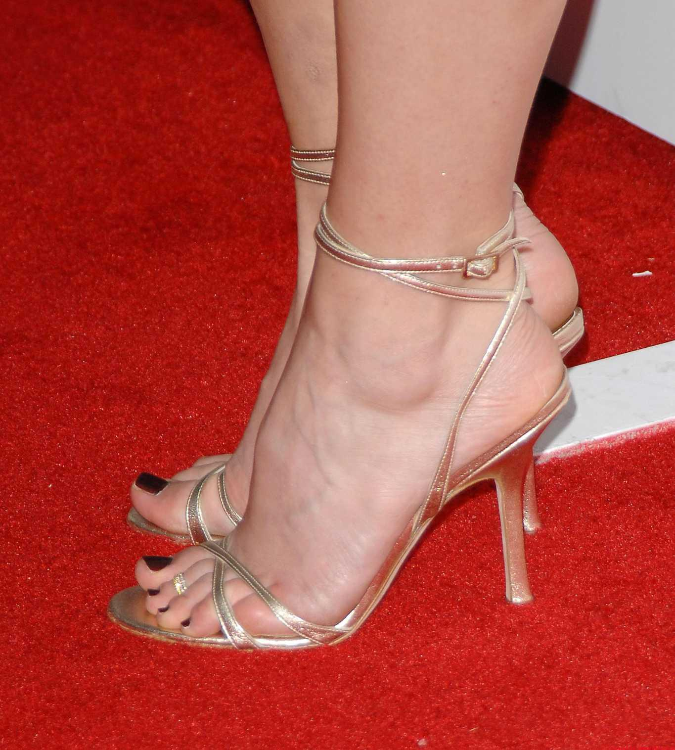 Jewel kilcher feet legs and shoes photos