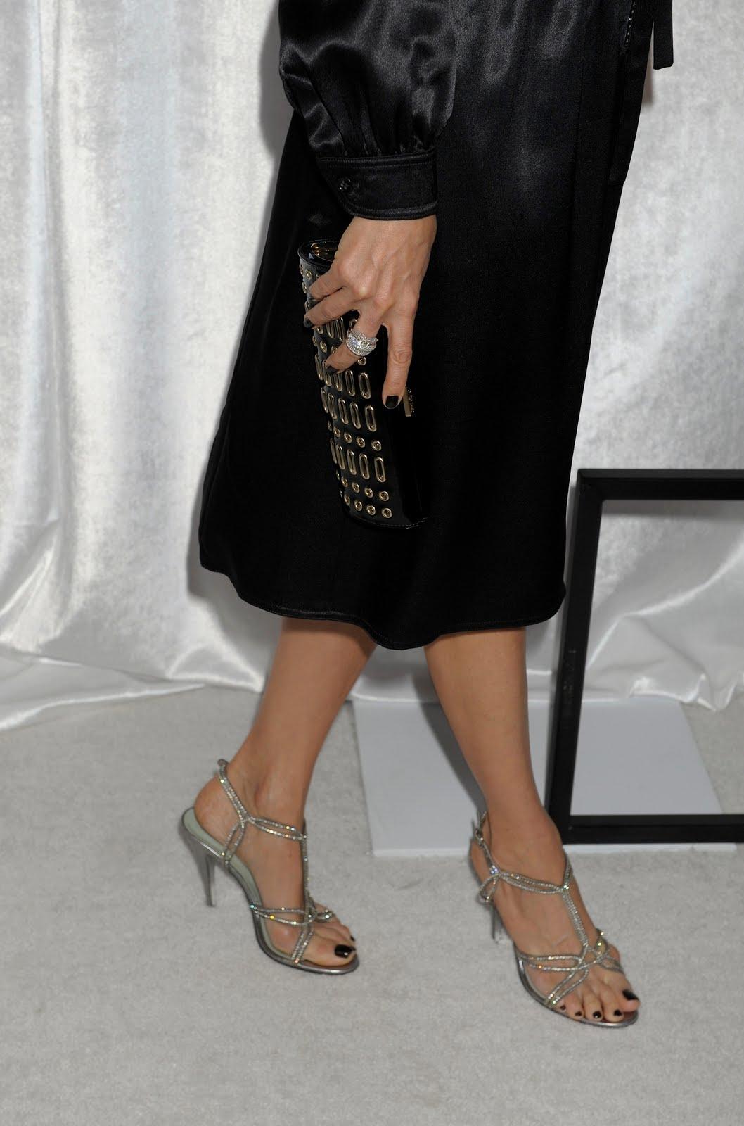 http://1.bp.blogspot.com/_UaLWp72nij4/S_bu1QxHoXI/AAAAAAAAMJk/BEDeNpp1eUg/s1600/lisa-edelstein-feet-4.jpg