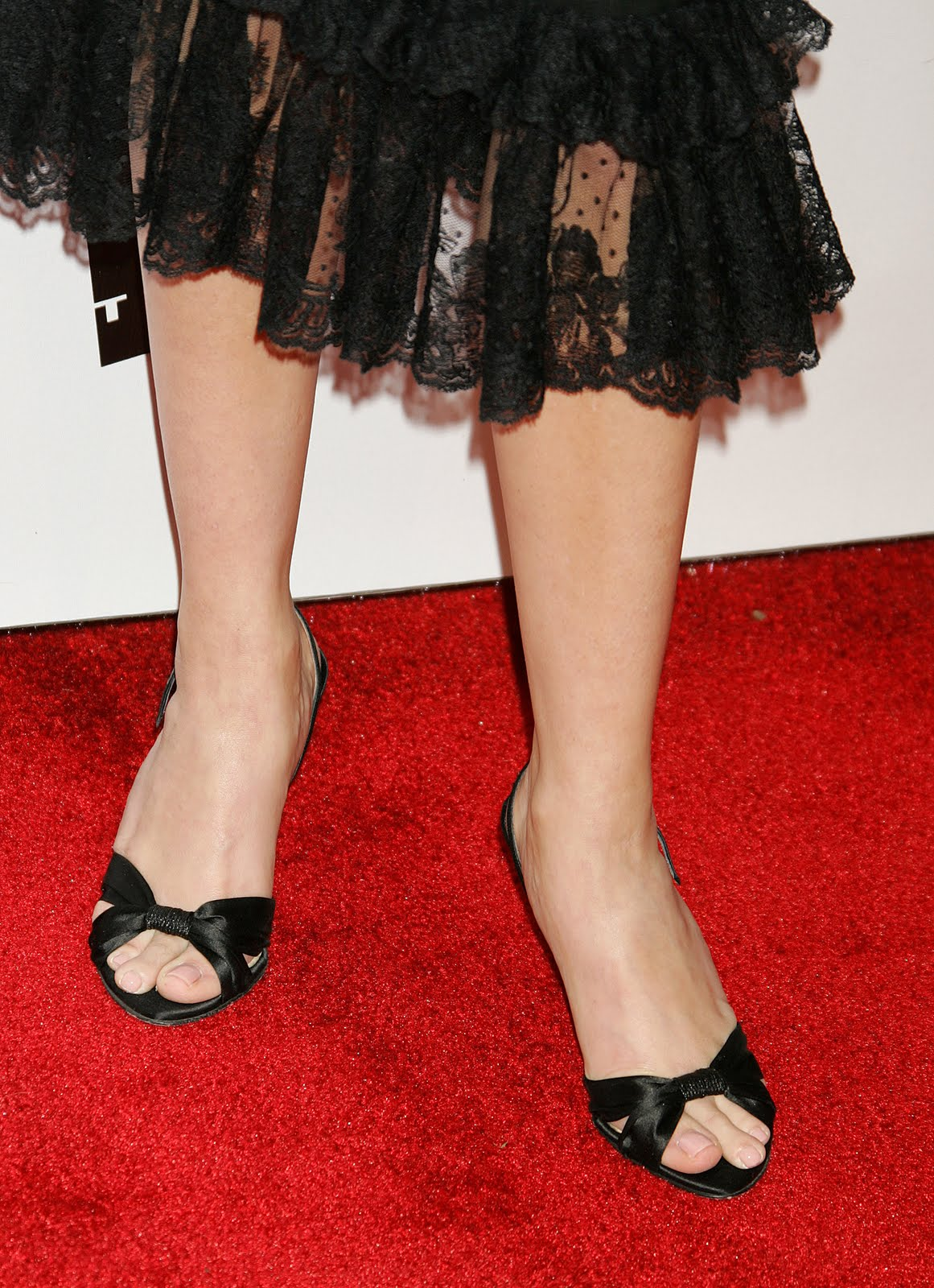 Reese witherspoon feet legs and shoes photos