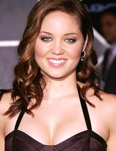 Celebrity Breasts on Erika Christensen Bra Size  Celebrity Breast And Cup Size