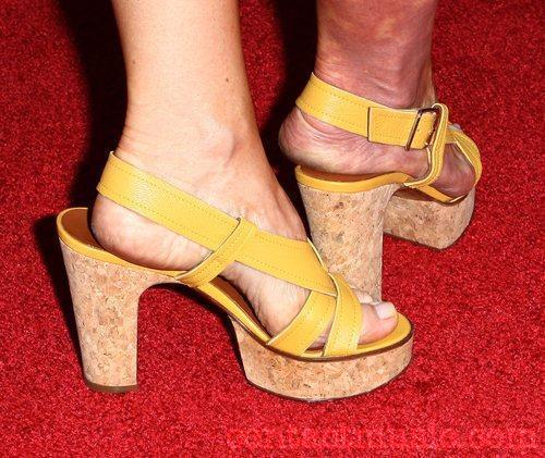 Niengroem's Blog: June 2010 Rachael Harris Legs
