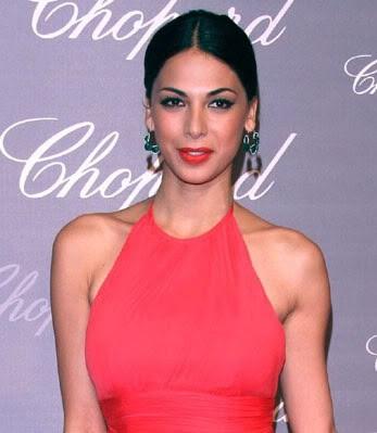 Q Cup Breasts Celebrity Bra Size, Cu...