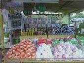 kedai buah-buahan
