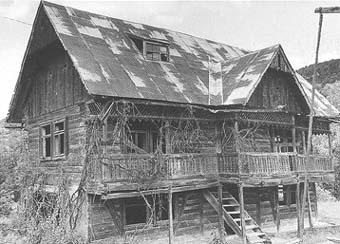 casa veche din Rona de sus
