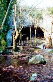 Entrada a una cueva (Zugarramurdi)