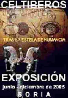 Cartel de exposición en Soria. Se ve figura de caballitos similar a la encontrada en La Rioja