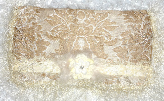 DReaMy cReaMy DaMaSK & MaRaBou sHaG GiRL's WiPe CaSe