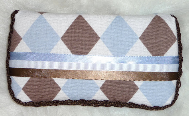 BLuE, BRowN & wHiTe JesTeR BoY's WiPe CaSe