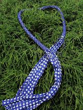Stippel  sjaal-ketting