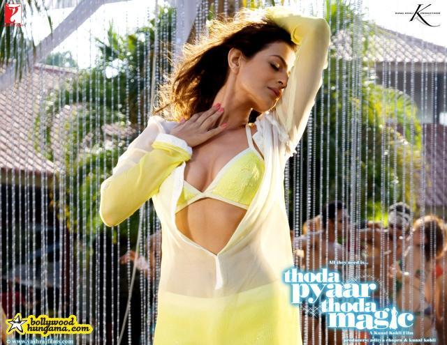 Amisha patel yellow bikini show