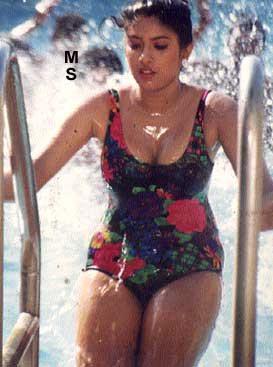 22 telugu aunty boobs pressing with black saree - 3 10